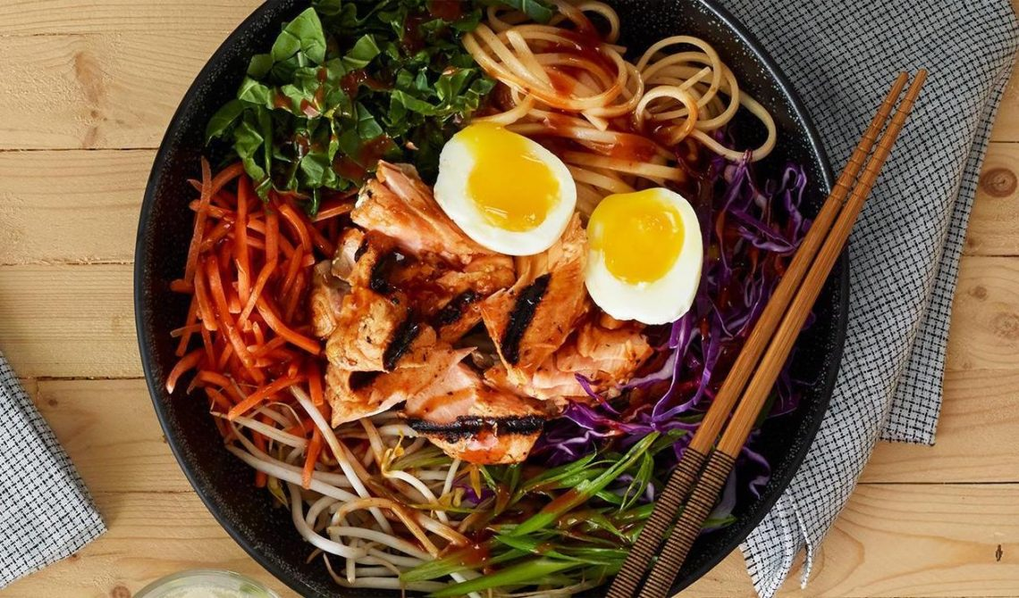 KOREAN NOODLE SALMON SALAD