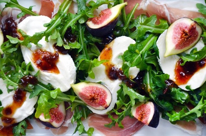 PROSCIUTTO, FIG, BURRATA AND ARUGULA SALAD
